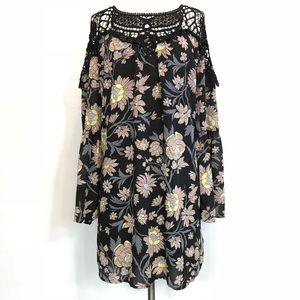 Entro Boho Crochet Floral Bell Sleeve Dress Size L
